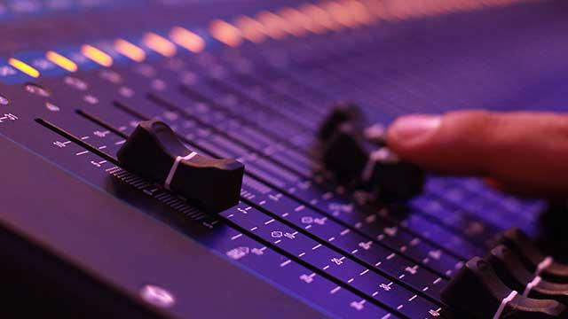 alquiler-equipo-de-sonido-line-array